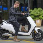 e-xtra Scooter Weiß E-LEVEN mobility solutions Stuttgart