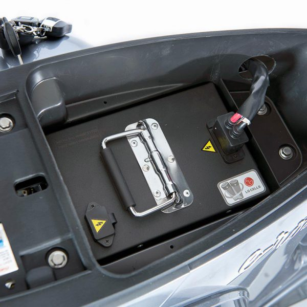 e-ros365 Scooter / Roller grau 60V 40Ah Premium Li-Ion-Akku / Batterie von LG - E-LEVEN Mobility Solutions