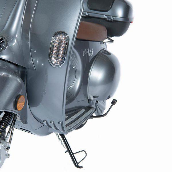 e-ros365 Scooter / Roller grau LED-Blinker-Detail – E-LEVEN Mobility Solutions