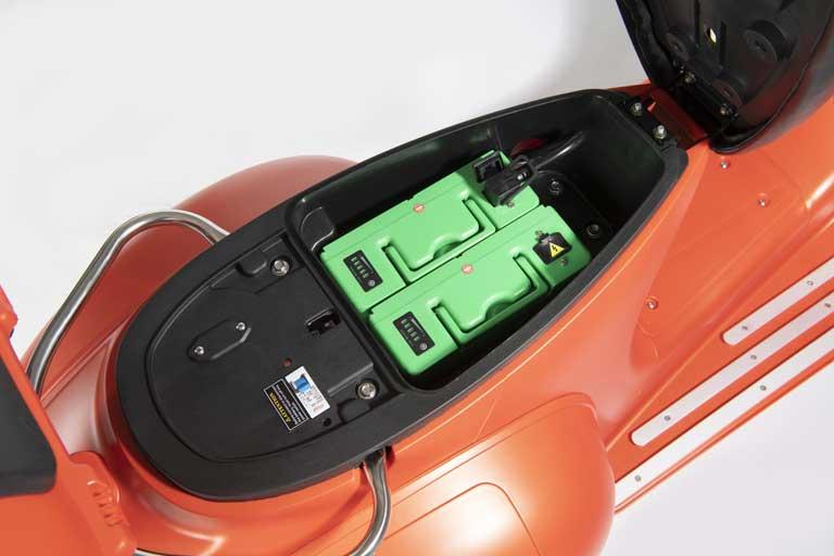 Herausnehmbarer Premium-Li-Ionen-Akkus in all unseren Fahrzeugen E-LEVEN mobility solutions