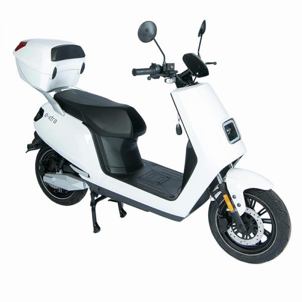 e-xtra Scooter / Roller mit Topcase weiß / perspektivisch-front - E-LEVEN Mobility Solutions