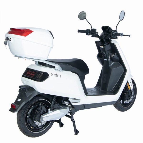 e-xtra Scooter / Roller mit Topcase weiß / perspektivisch-rückseite - E-LEVEN Mobility Solutions
