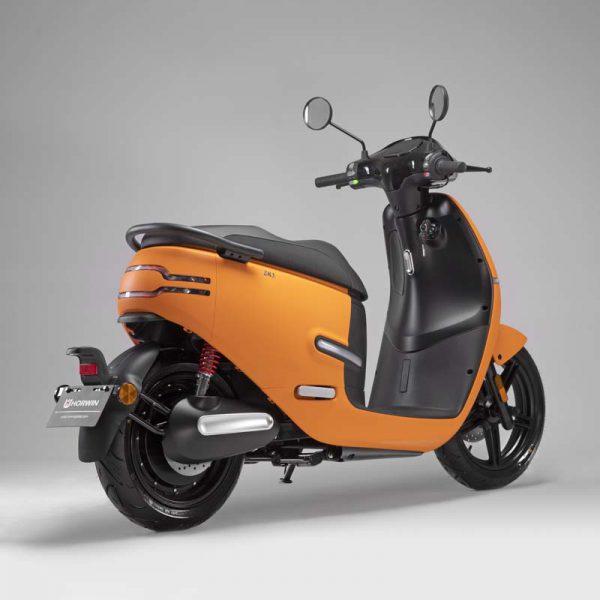 HORWIN EK1 Premium E-Scooter 45 km/h, Mattorange perspektivisch hinten - E-LEVEN Mobility GmbH Stuttgart