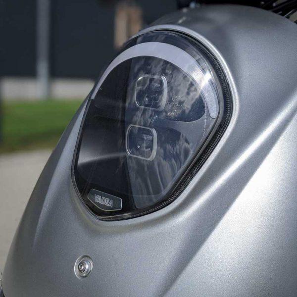 Yadea C-umi Silber LED-Vollbeleuchtung E-LEVEN mobility solutions Stuttgart